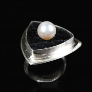 Pearl on Lava Ring